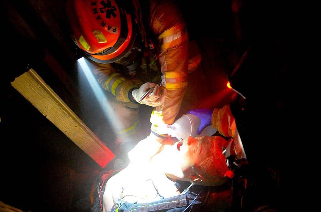 Rescue-medic-scenarios-at-the-Rock